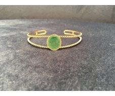 Bracelet jonc avec pierre ovale verte